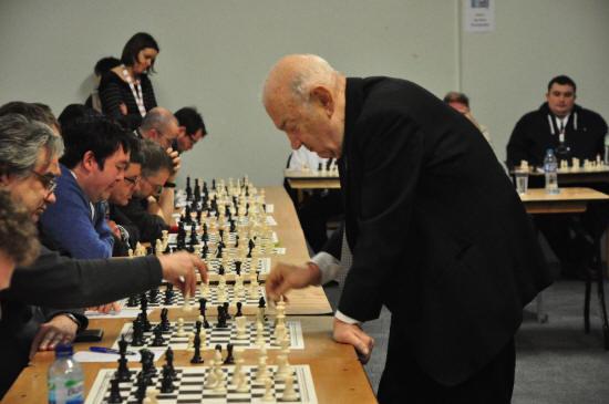Viktor Korchnoi overleden